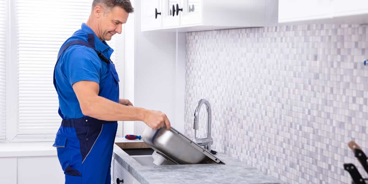Comment poser un évier de cuisine Saint-Brès (30500) ?