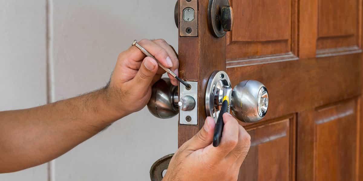 Ouverture de porte Sabres (40630) d'urgence