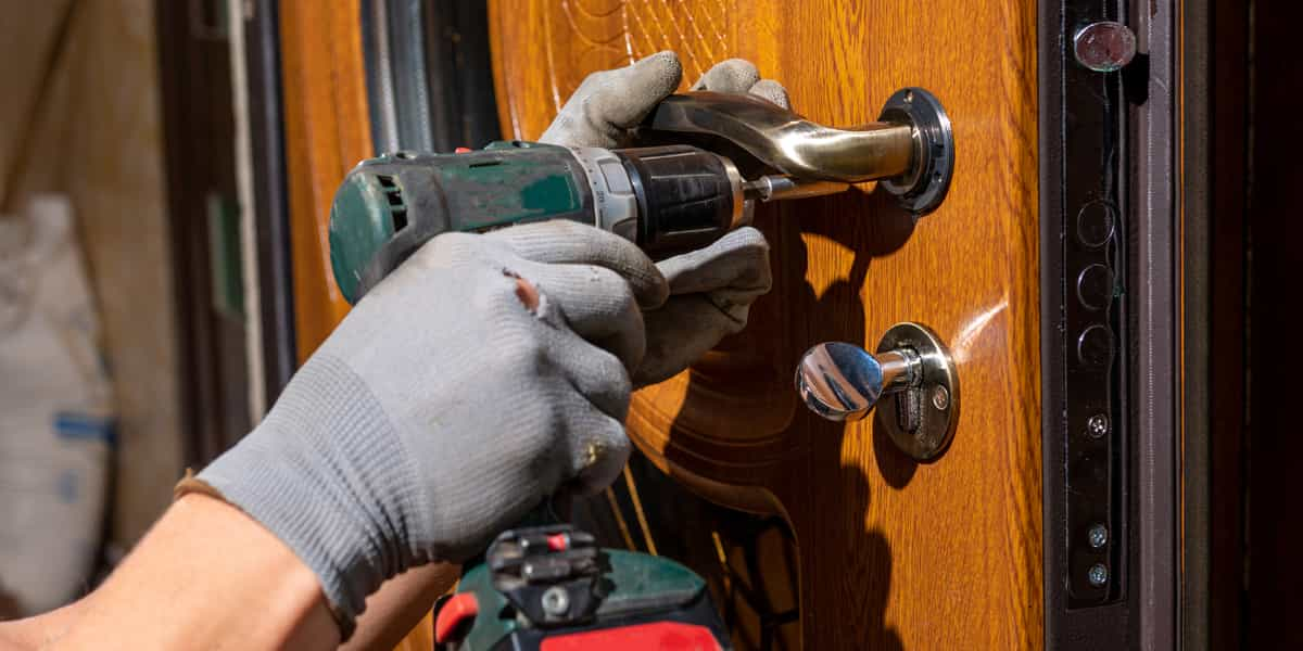 Votre porte blindée accroche à Bettencourt-Rivière (80270) ? Acni Service la répare en urgence !